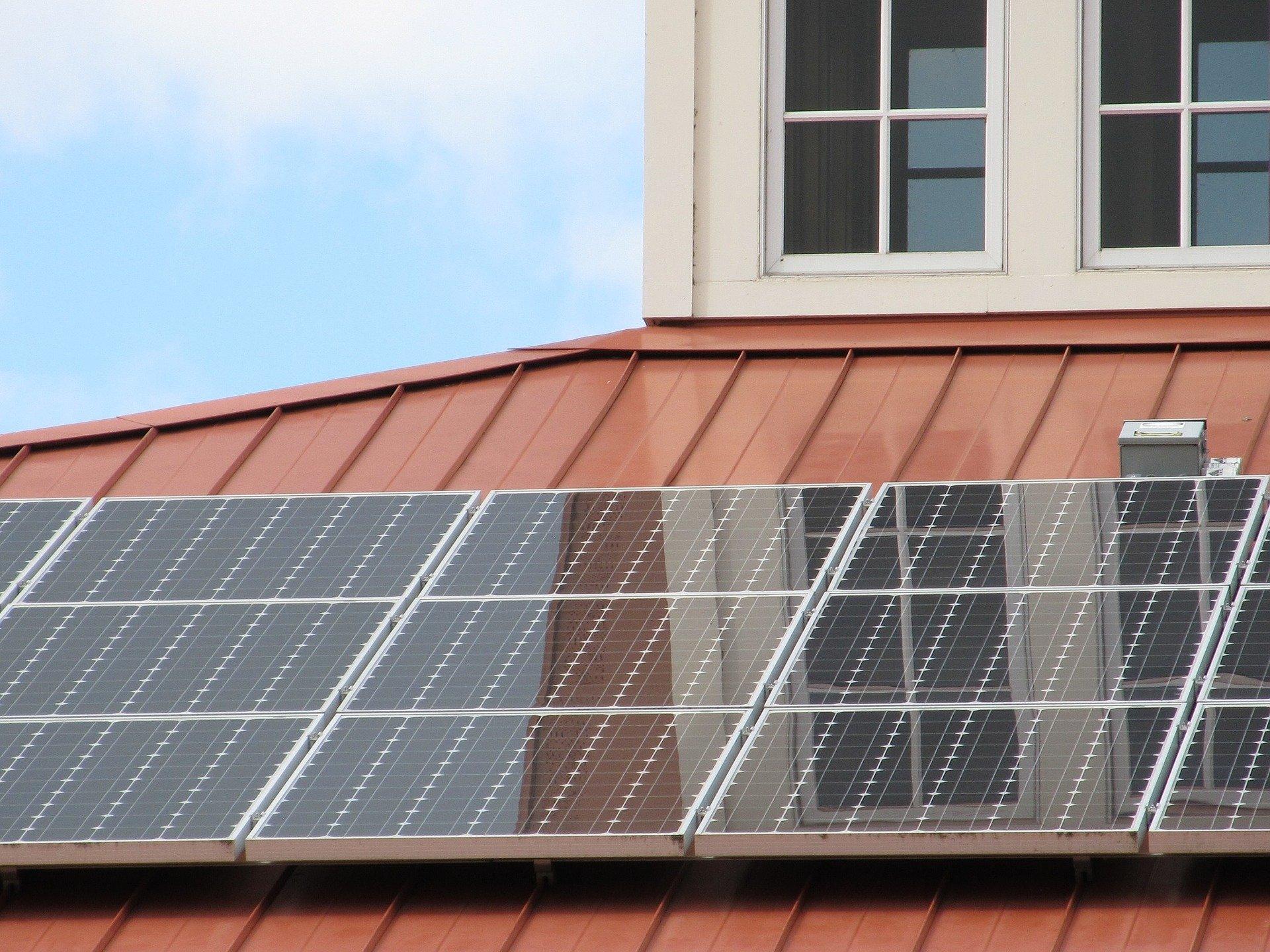 solar thermal vs solar pv