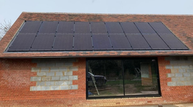 Cobham, Surrey - 5.4 kWp (Jan '19)