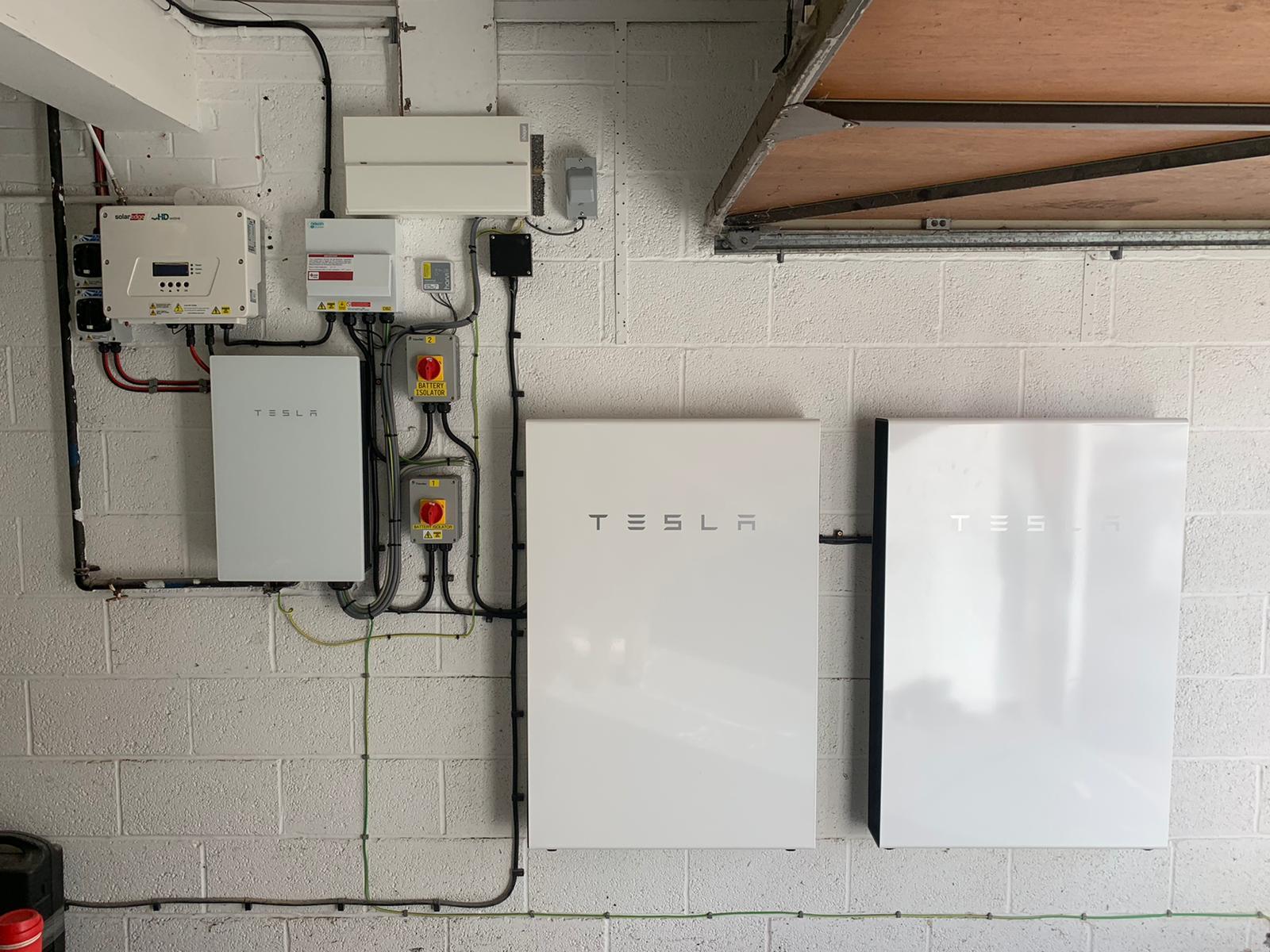 Tonbridge - 2 x Tesla Powerwall 2 (27 kWh) (Oct '19)